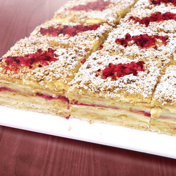 Tortide tellimine: Mille-feuille jõhvikatega